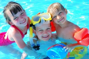 Swimming-Pool-Fun-And-Games-for-Children